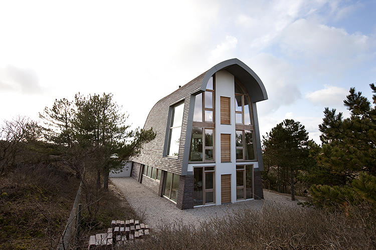 Exclusive facade of the Dune House Sustainable Design And Smart Aesthetics Define Stylish Dune House