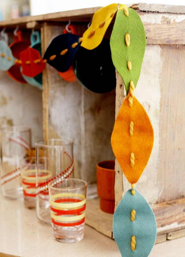 Felt and yarn leaf garland
