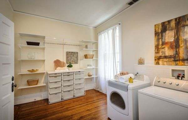 Freestanding shelves in the laundry room offer design flexibility
