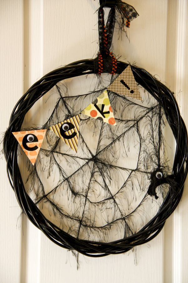 Fun spider web Halloween wreath DIY