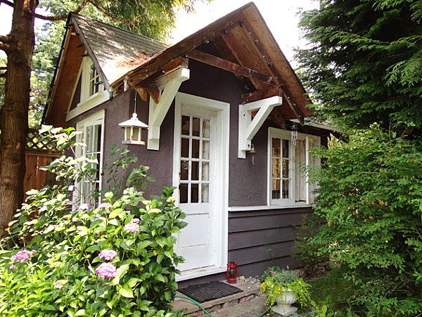Garden cottages and small sheds for your outdoor space for Small backyard cabin
