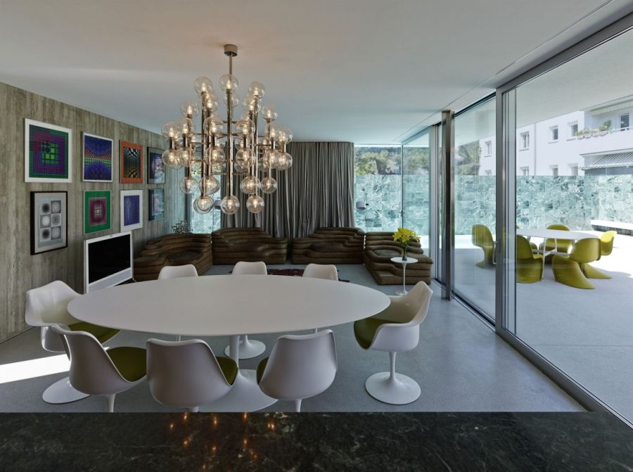 Gorgeous chandelier above the dining table