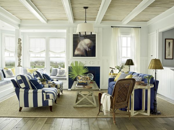 Gorgeous living room in blue and white Coastal Style Interiors: Ideas That Bring Home The Breezy Beach Life!