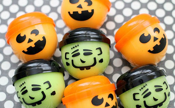 Halloween gak treats