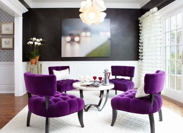 Hard to find a more sophisticated dining room with purple accents!