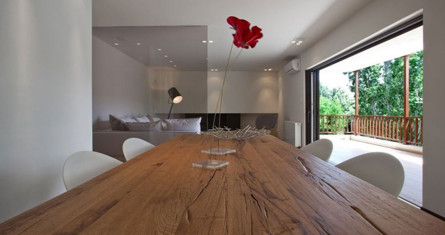 Hint of red inside the modern minimalist home