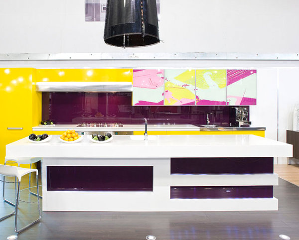 Kitchen with yellow and fuchsia accents