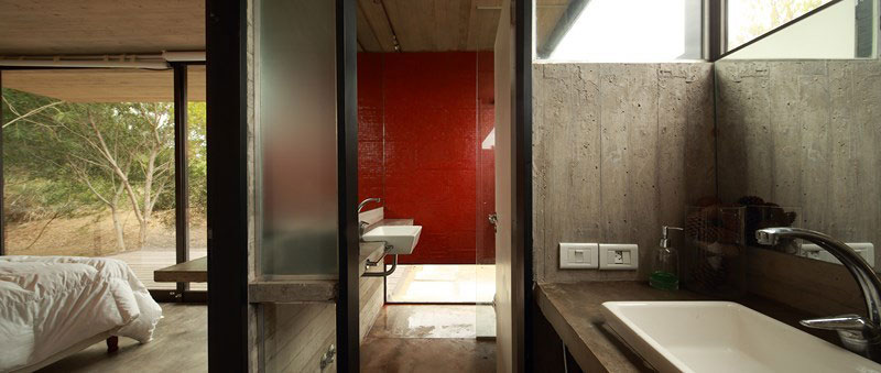 Modern bathroom connected to the bedroom