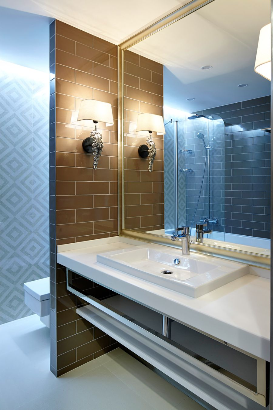 Modern bathroom design and lighting