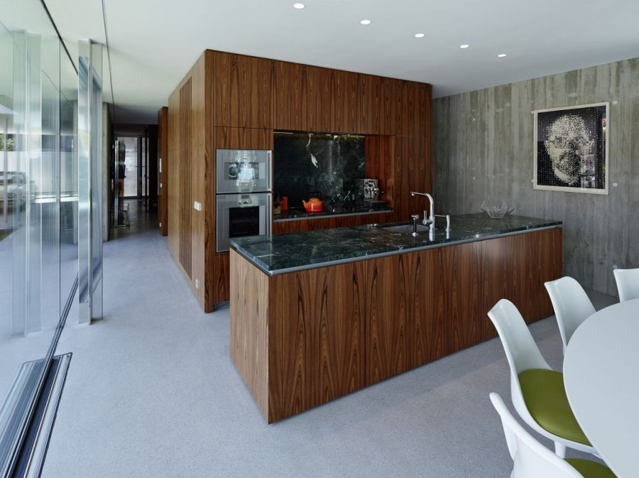 Modern kitchen laced in wood