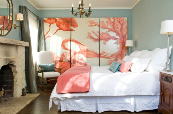 Original oil canvas in coral in the bedroom