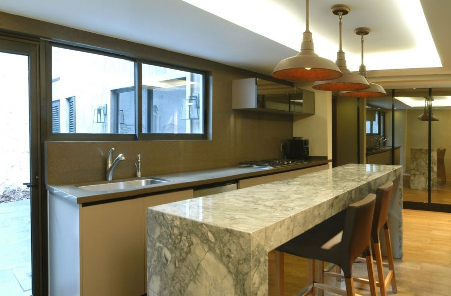 Pendant lights above the kitchen island