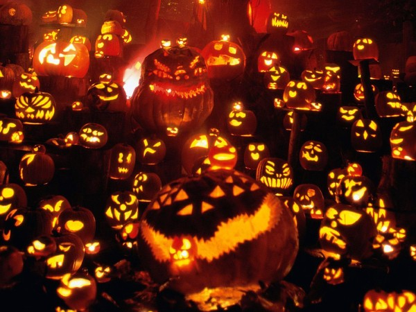 Pumpkin Nightmare Scene 600x450 19 Ideas for Scary Halloween Horror Nights, Lights and Effects