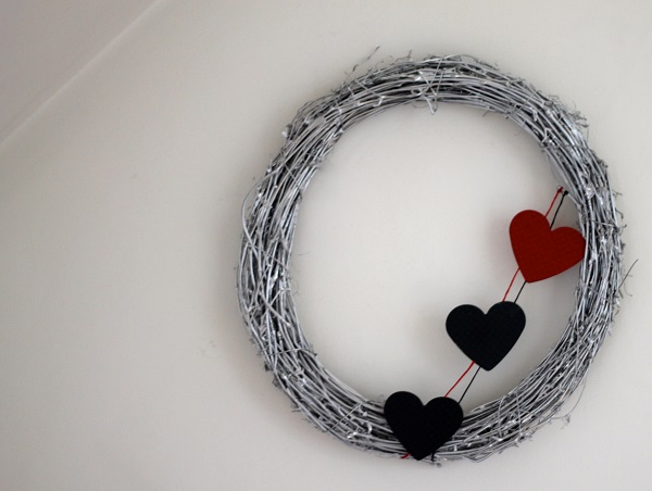 Silver wreath with felt hearts