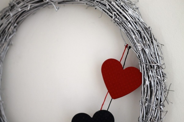 Silver wreath with paper hearts