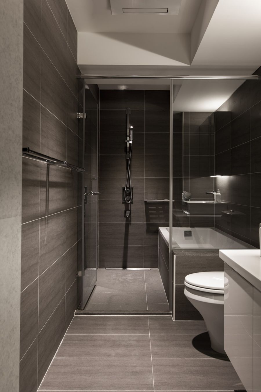 Sleek bathromm in gray slate