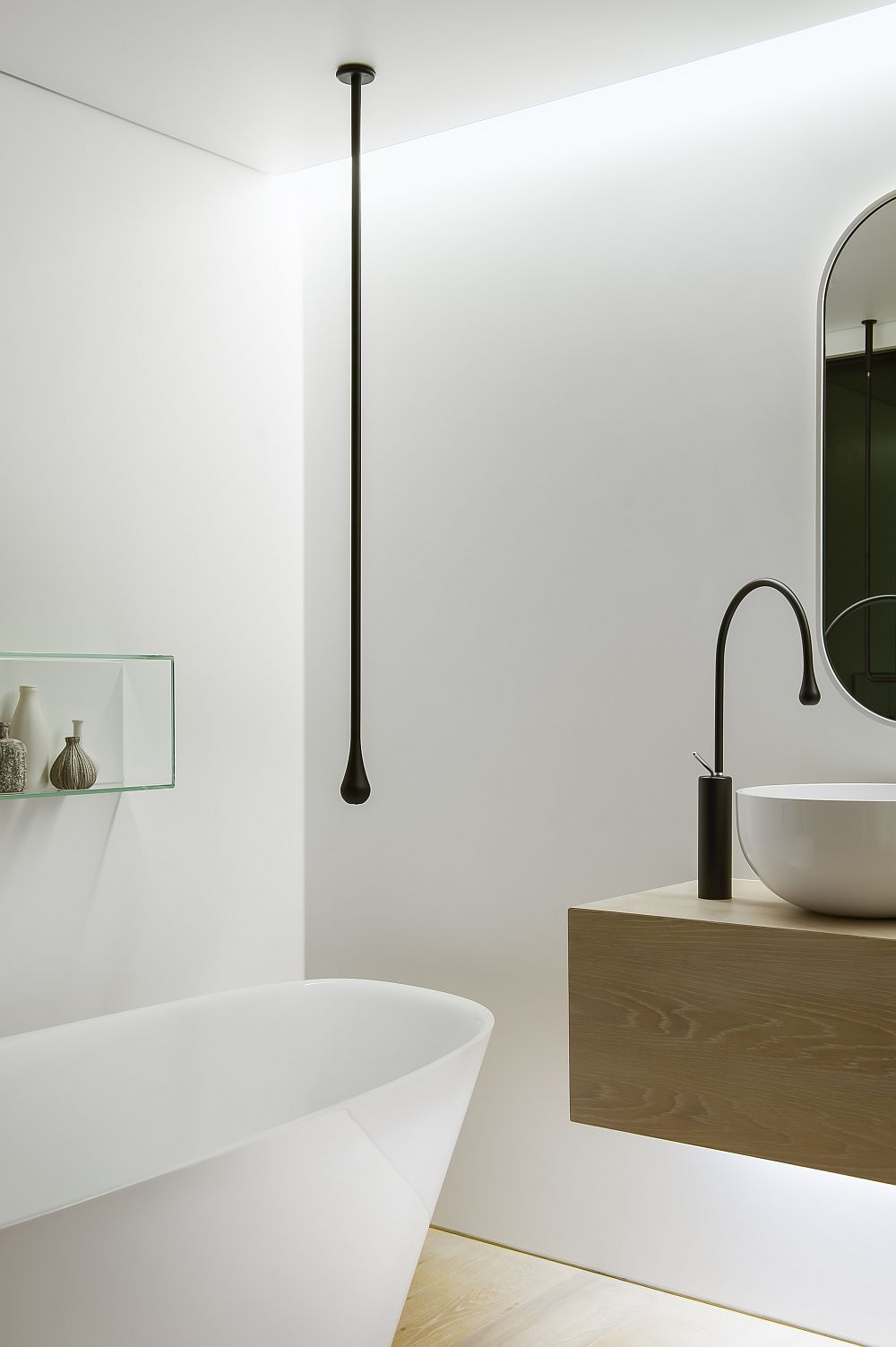 Smart focussed lighting in the bathroom