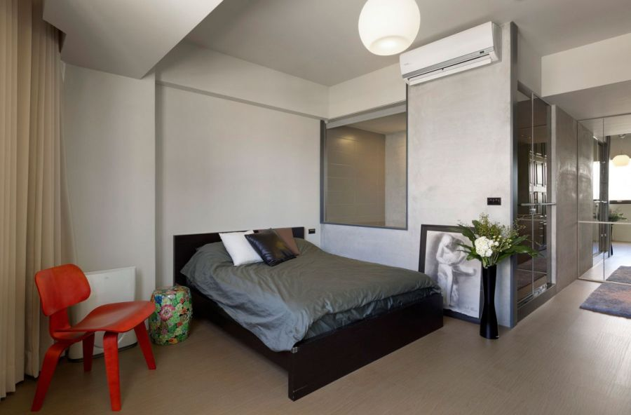 Smartly decorated small bedroom