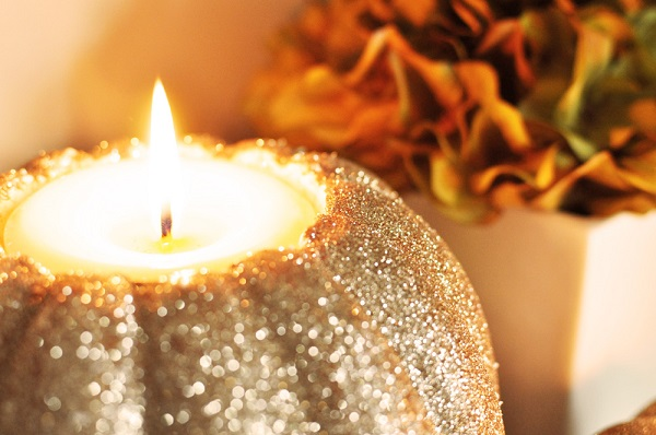 Sparkly pumpkin candle holder