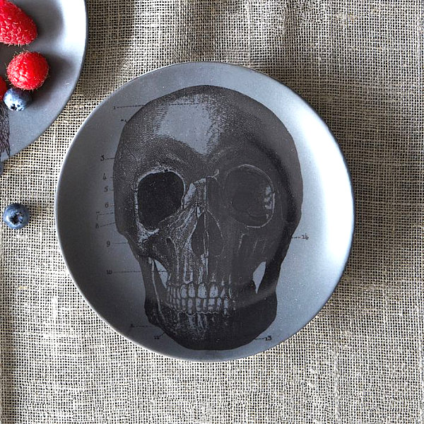 Spooky plates