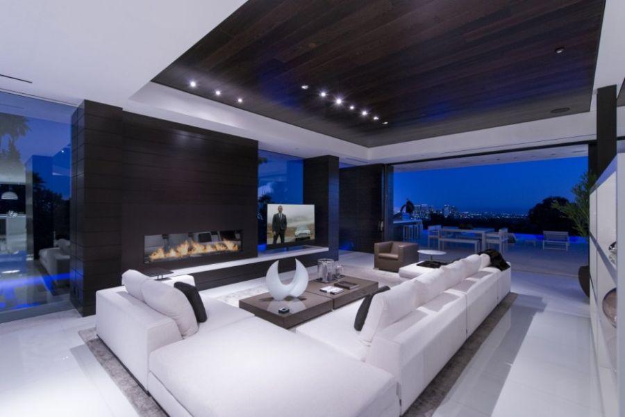 Stunning modern living room in wite