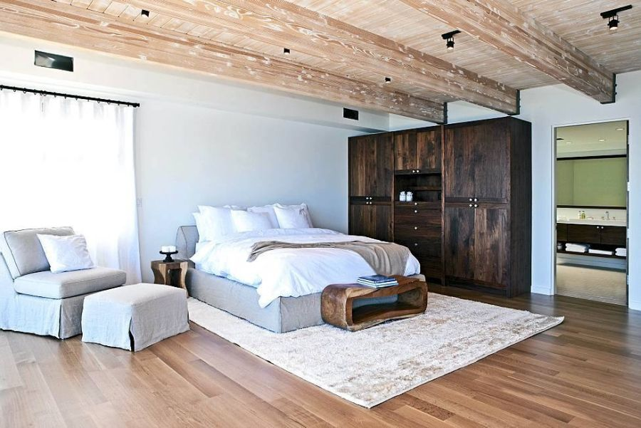 Stylish bedroom with a subtle coastal look