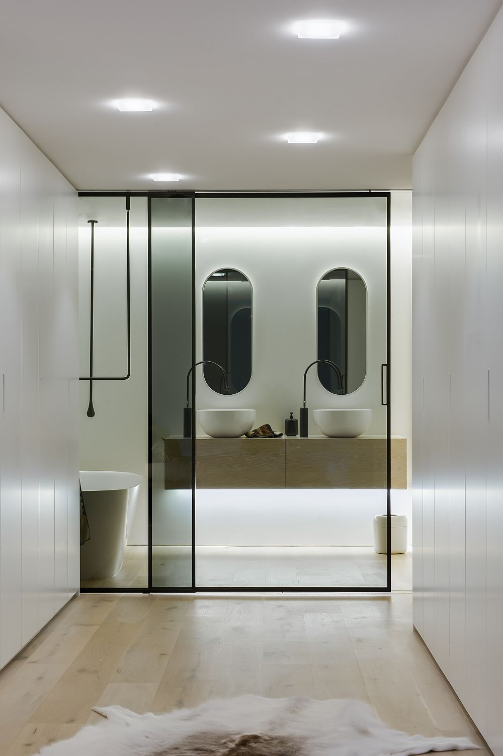 Bathroom Light Fixtures >> Ingenious Contemporary Bathroom By Minosa Design: Refreshingly Radiant!