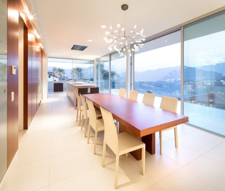 Stylish modern ding space with a wonderful view