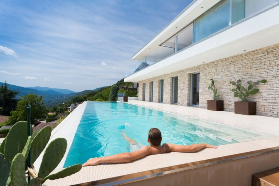 Stylish pool with a view of the mountains