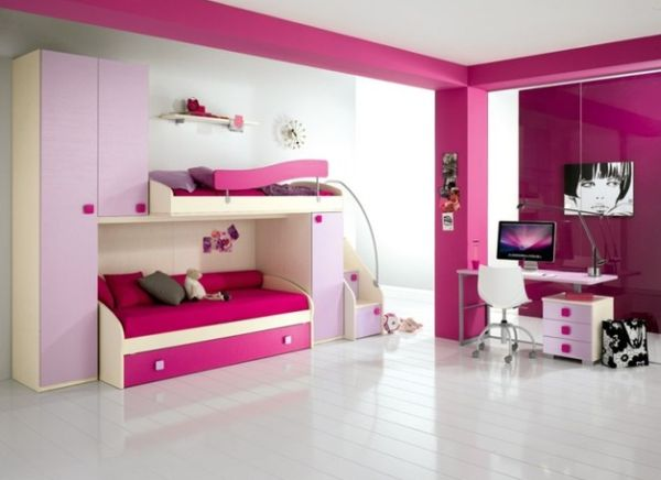 Trendy pops of fuchsia in a uber-cool kids' bedroom