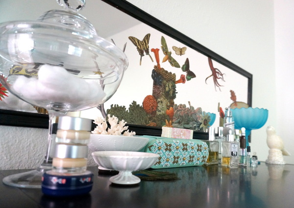 Vanity decor and perfume