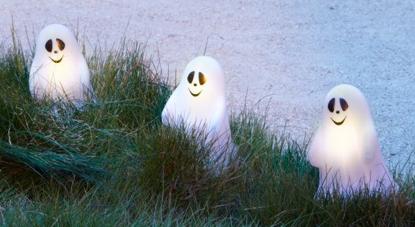 White ghost pathway lights
