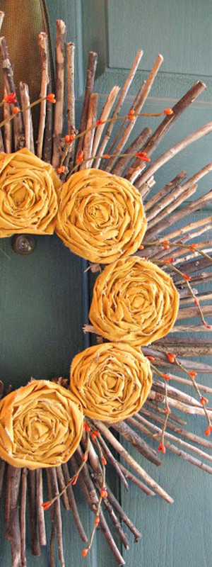 Yellow rosette wreath DIY