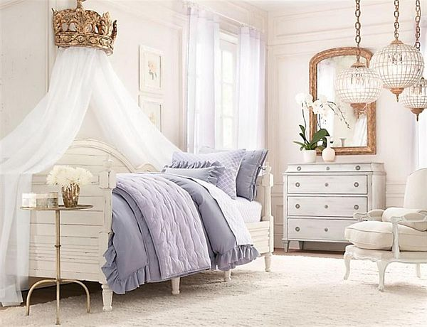 canopy bed with white curtains