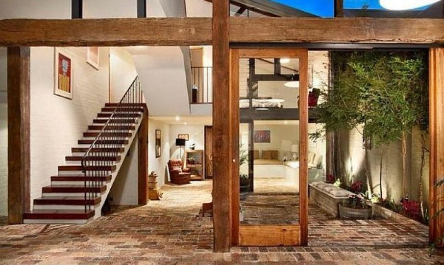 The Nudist Home: 3 Ways of Exposing True Architectural Beauty