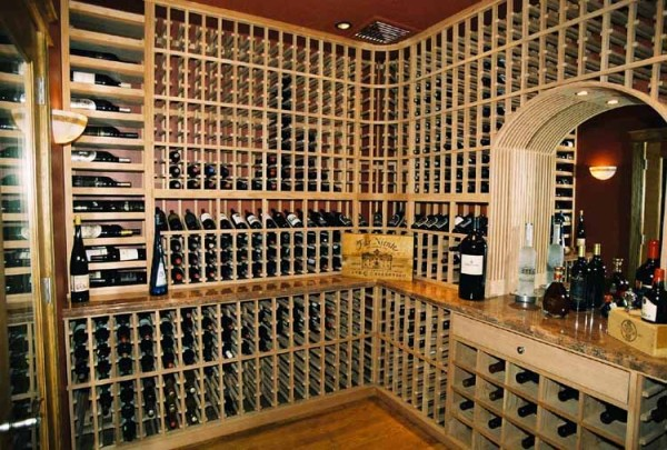 private wine cellar in Sonoma California with mirrored alcove