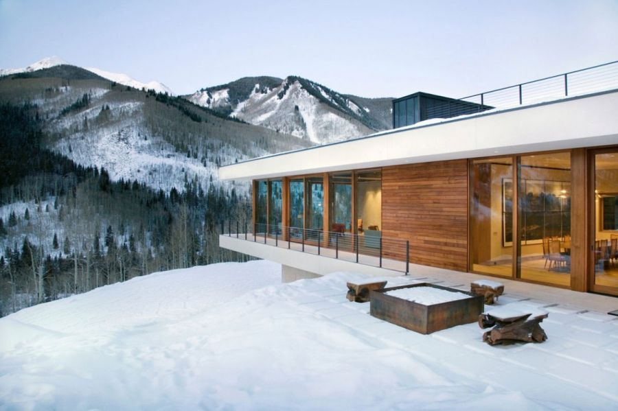 Aspen skiing slopes around the Linear House
