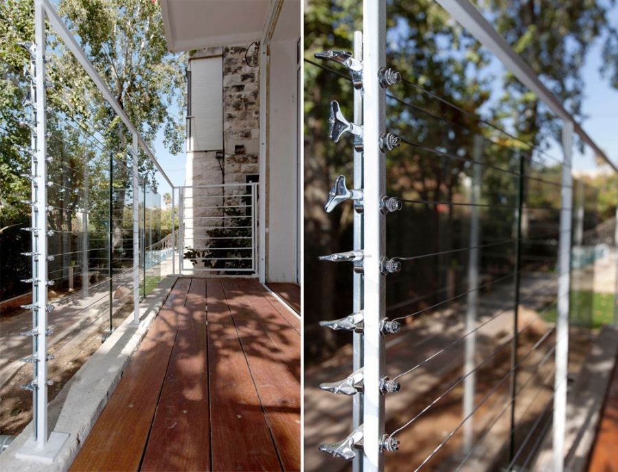 Balcony railing that mimics cool guitar strings