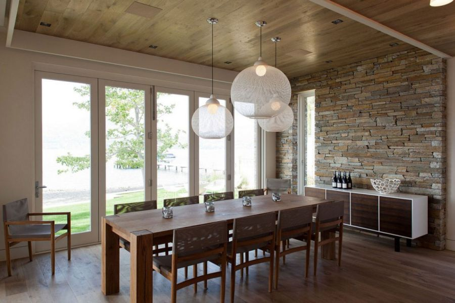 Beautiful pendant lights above the dining table