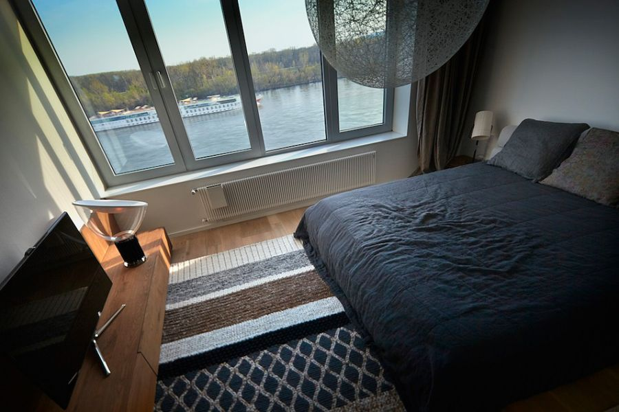 Bedroom with lovely viewof Danube river