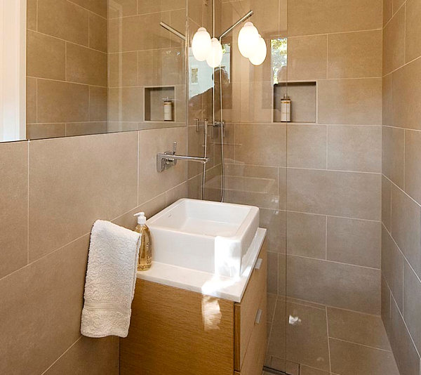 Tiny bathroom design ideas that maximize space for Custom bathroom design