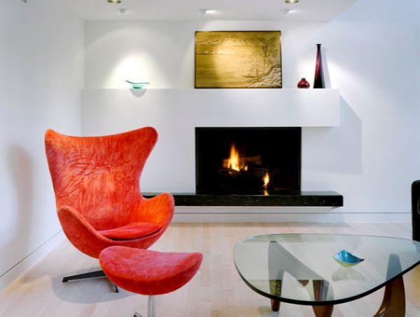 Combination of the Egg chair and Noguchi table makes for a cozy reading nook!