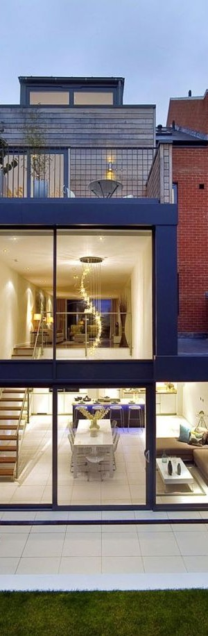 Contemporary London House by LLI Design