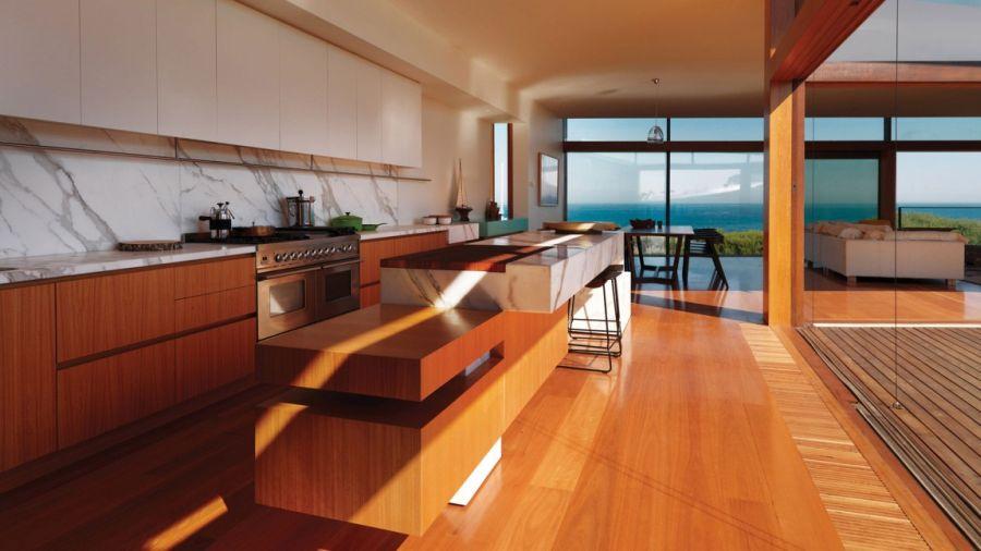 Contemporary kitchen with calacatta marble backsplash