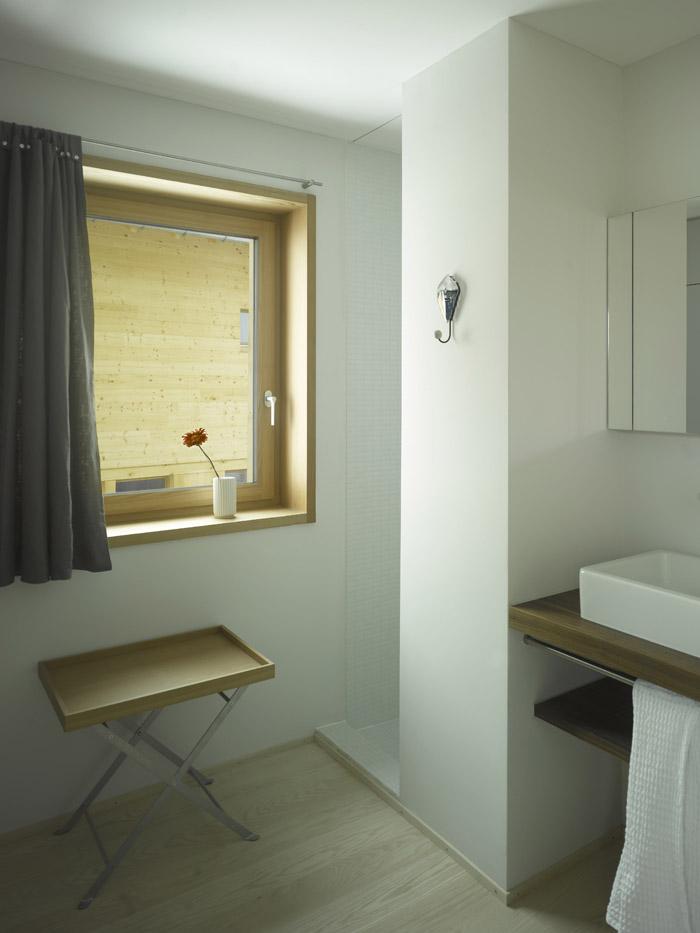 Contemporary bathroom at the holiday retreat