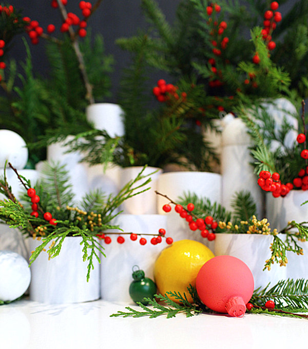 DIY holiday table 10 Fabulous Holiday DIY Projects