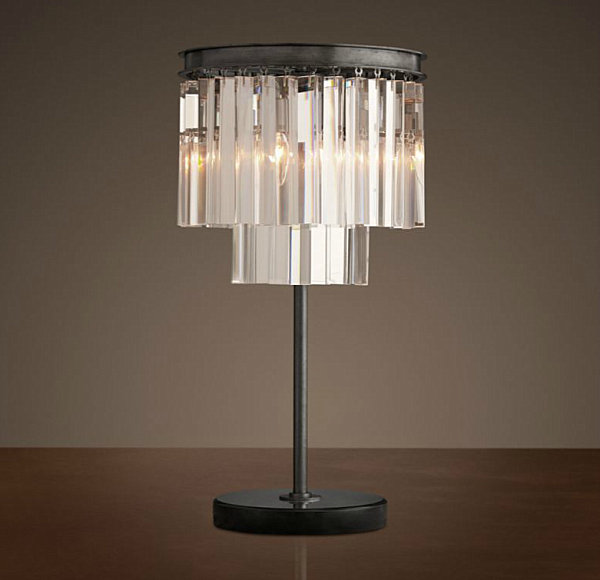 Deco-style table lamp