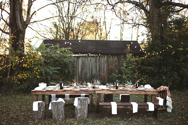 Earthy Friendsgiving celebration