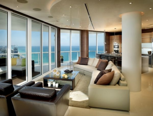 Expansive Miami bachelor pad with amazing ocean views