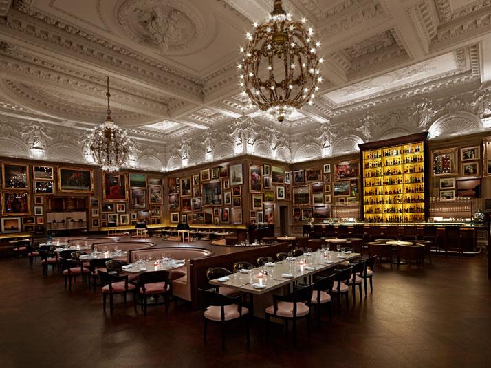 Exquisite dining area London Hotel